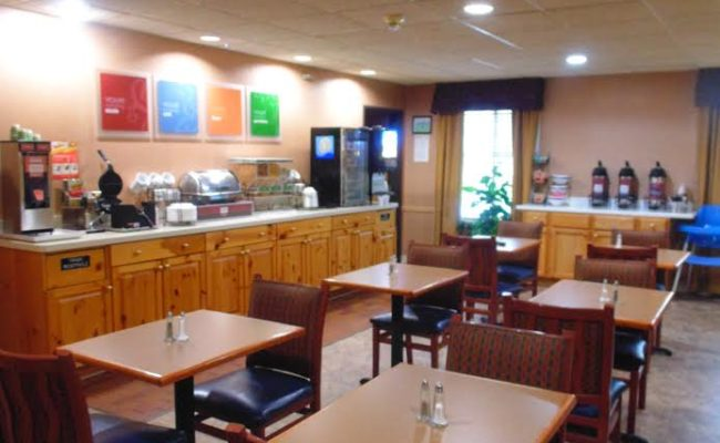 Stay At American Inn Amp Suites In Houghton Lake Michigan